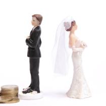 離婚に伴う男性の金銭的な負担は大きいです。
