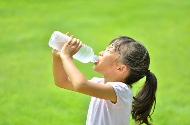 電気や水道、ガスなどのインフラがストップした状態で、人間が生きる上で最も欠かせないのが水です。