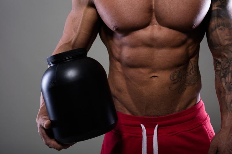 クレアチンは筋肉を瞬発的に動かすためのエネルギーである「ATP」という物質になります。