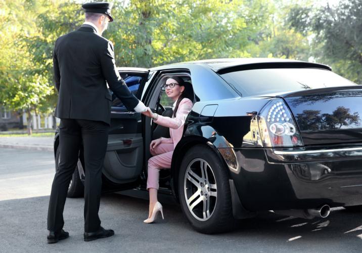 デリヘル店の店長かスタッフにでもなればお気に入りのデリヘル嬢と良い関係になりやすい?
