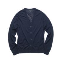 春や秋、季節の変わり目のように寒暖の差が激しい時は、1枚羽織るものを持っていると便利です。