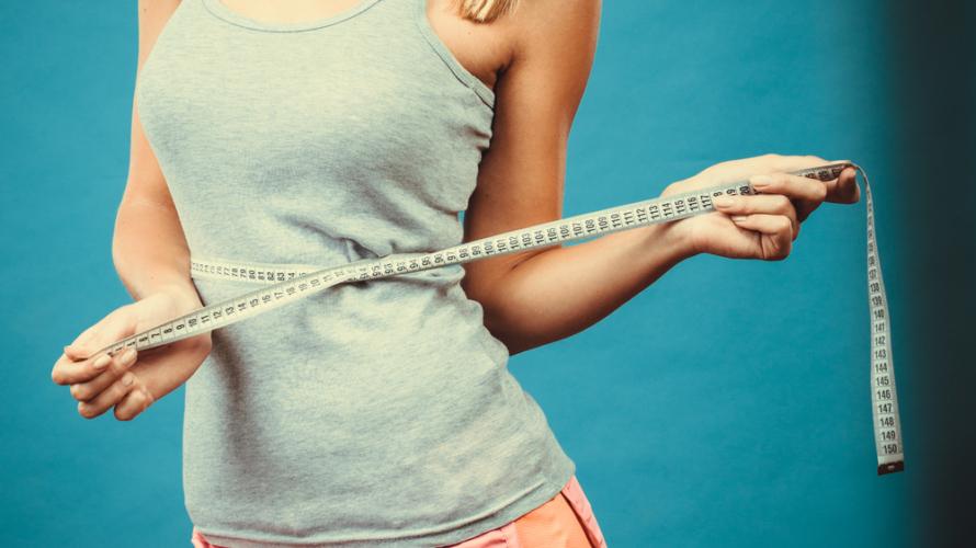 完璧な部分やせは不可能であるとしても、可能な限り落としたい場所の脂肪を落とせる方法をご紹介します。