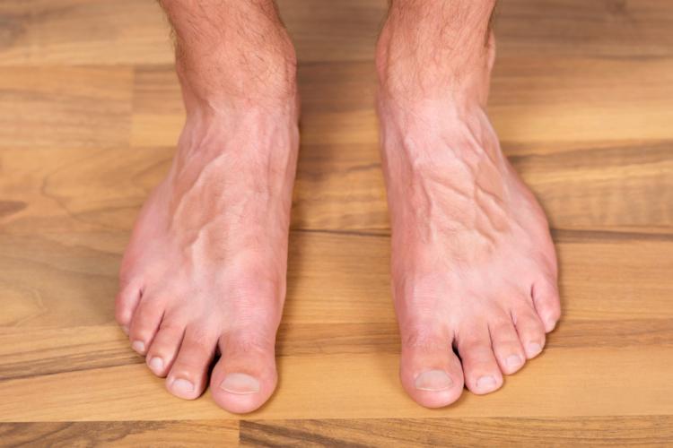 最近は清潔感を大切にして、爪のケアにも気を配る男性が増えました。