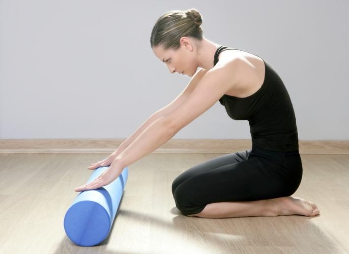 ストレッチポールの上であれば、緊張して固まった筋肉が解放されて緩んでくれます。