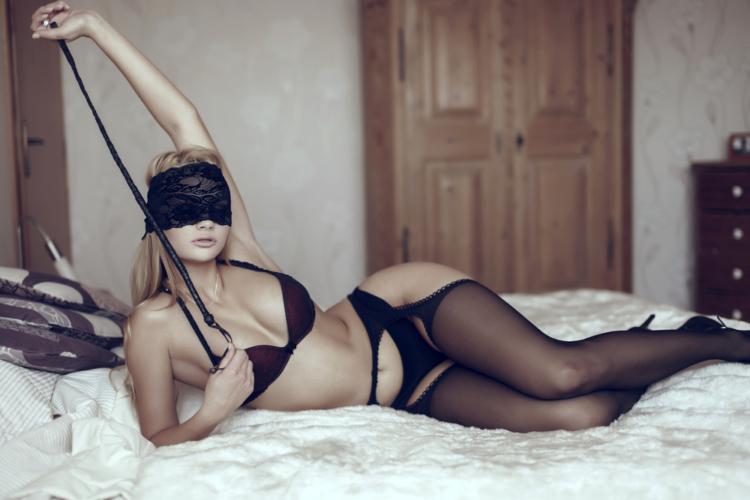 実は、美女に限らず多くの女性は変態プレイに興味があります。
