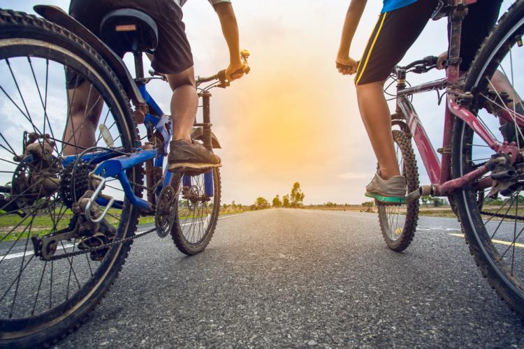 クロスバイクの価格差は素材の差