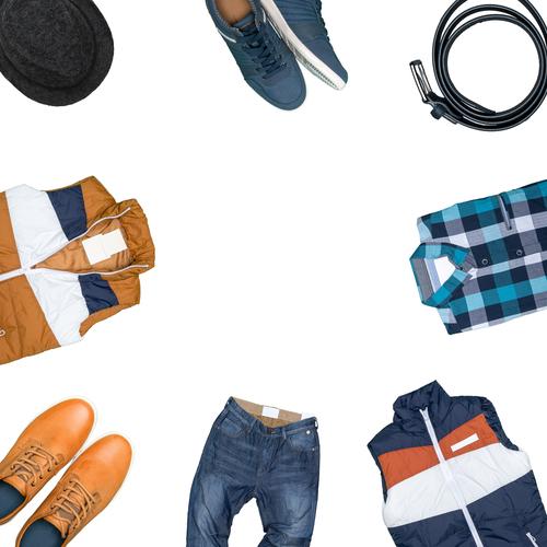 夏のファッションは基本的にシャツとパンツだけのシンプルに。