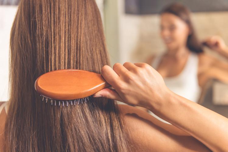 娘が髪をいじっているのを見て、どうリアクションすべきか?