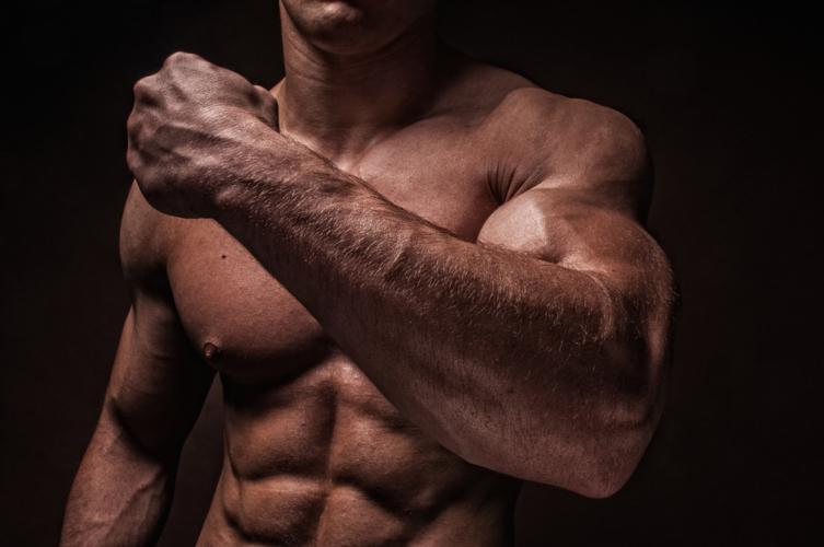 なかなか太くならない腕を急成長させよう!