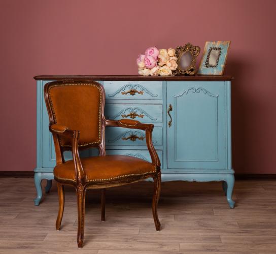 ヨーロッパ調の家具・椅子などによく使われている脚のデザイン