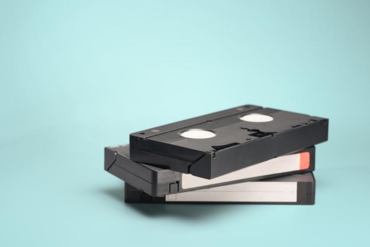 かつてはVHS、そして現代ではDVDとして販売されているAV