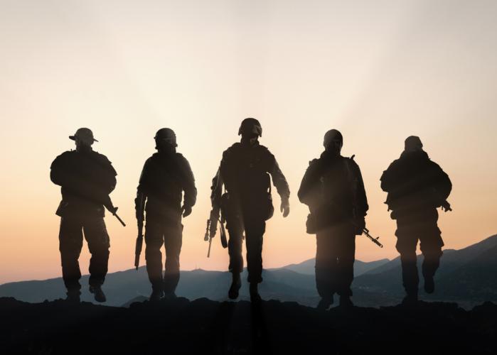 軍隊で働く人たち