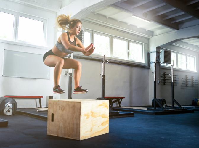 ボックスジャンプで瞬発力を伸ばす