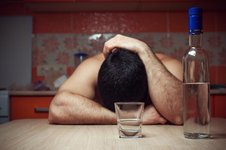 アルコールは筋肉の合成を阻害する