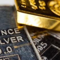 金とプラチナ投資するならどちらが良いのでしょうか