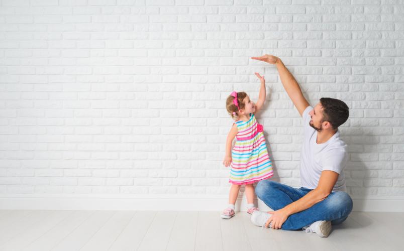 子ども、親、友人に優しく接している時