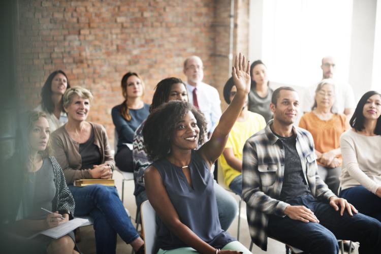 就職や働き方に関する危機感は私たちより、若い世代の人たちの方が持っています