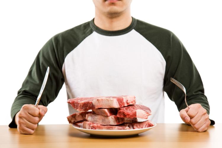 寝る前に物を食べる。おそらくほとんどの人がタブー視しているこの行為ですが実は…