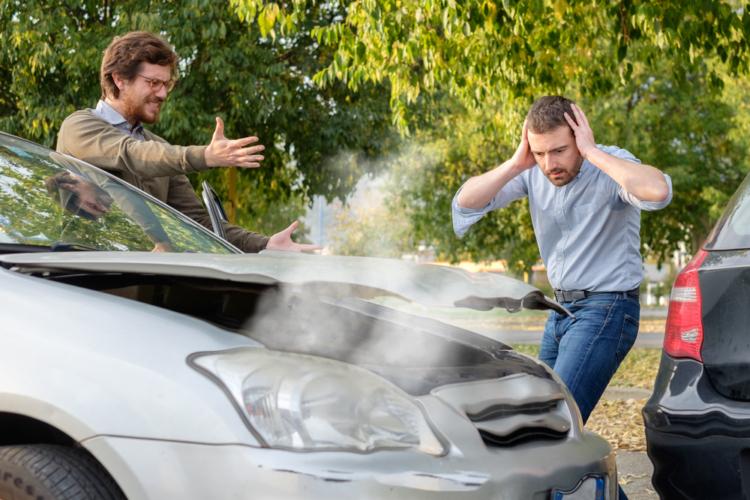 事故っても必要以上に卑屈になったり、下手に出てはいけない