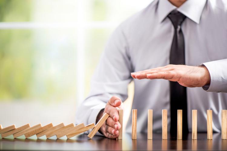 金を保有する目的の多くは資産保全になり、金を保有することで様々なリスクを抑えることができます