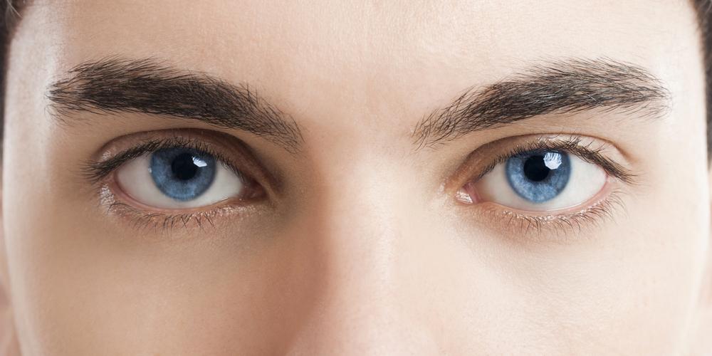 目もとが若々しさのポイント