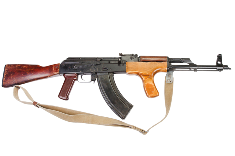 AK-47とは、旧ソ連のミハイル・カラシニコフという銃器設計者が生み出した自動小銃です