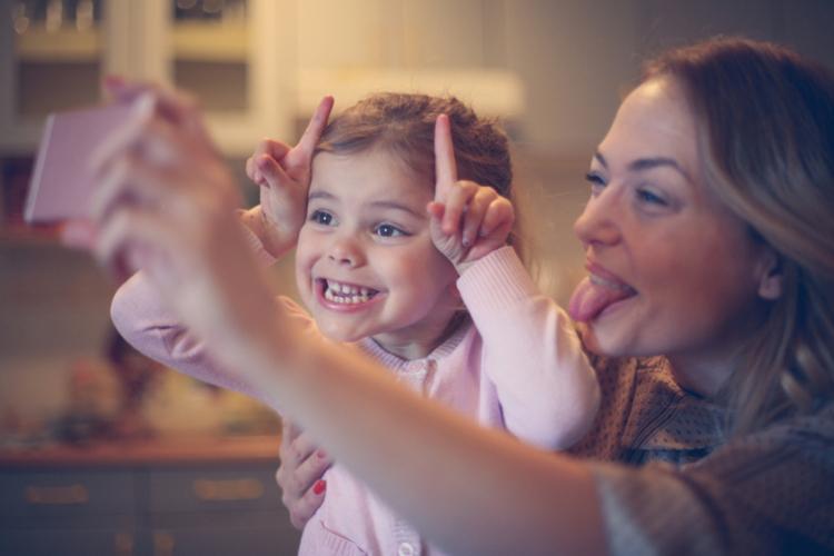 家族の顔を堂々アップ