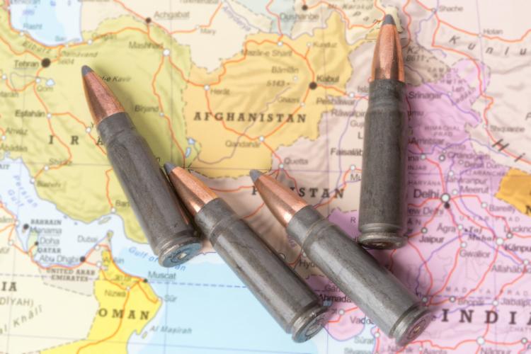 国際法に則ると戦争とは国家による武力の闘争のこと