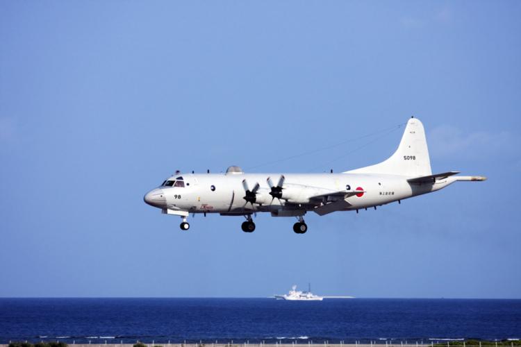 潜水艦が海中に潜って行動するのは、敵に発見されないため