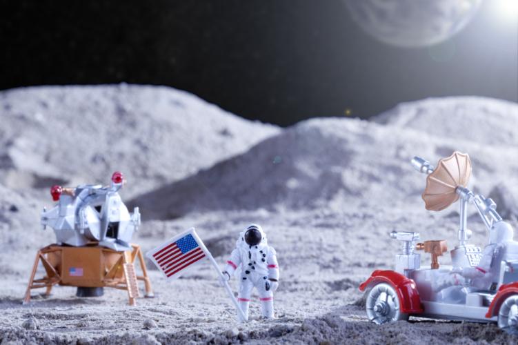人類の月面着陸で、思い浮かぶもの
