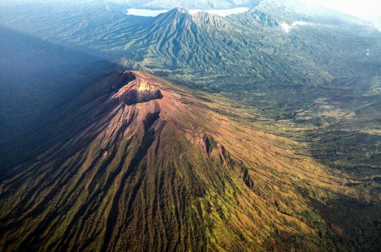 2017年現在で重点監視対象となっている活火山は50