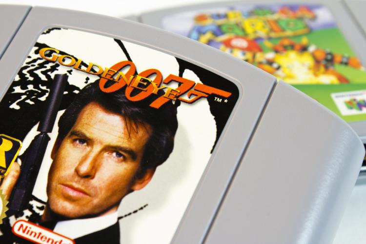 「007」も「君の名は。」も立派な広告媒体