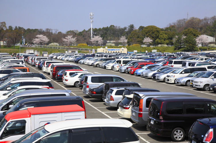 地方パチンコ屋駐車場の謎