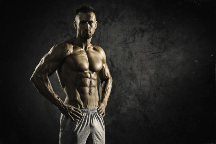腹筋を割るための2つのアプローチ