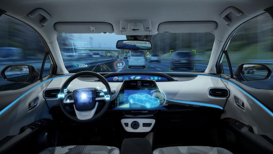 車に搭載されるヘッドアップディスプレイ
