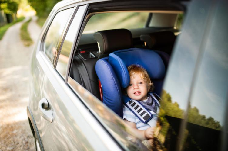 「Baby In Car」ママカーが爆走していく