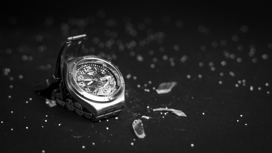 昔の時計は簡単に壊れて当たり前だった