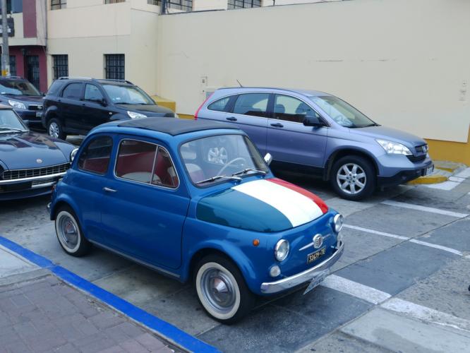 500のことをイタリア語で「Cinquecento」