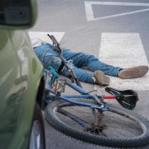 自分の自動車を運転代行業者に任せた後の事故
