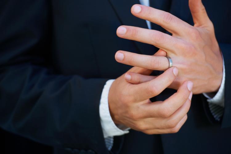 結婚指輪に釣られることもある