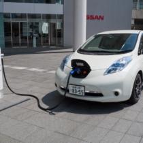 電気自動車でガソリンが不要になる