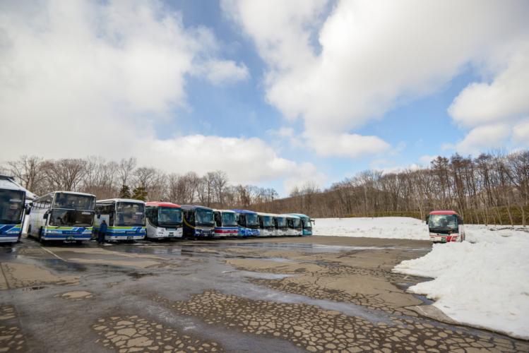日野自動車は自動停止バスを市場投入へ