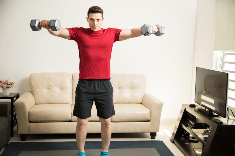 肘と肩を故障しやすいシチュエーション