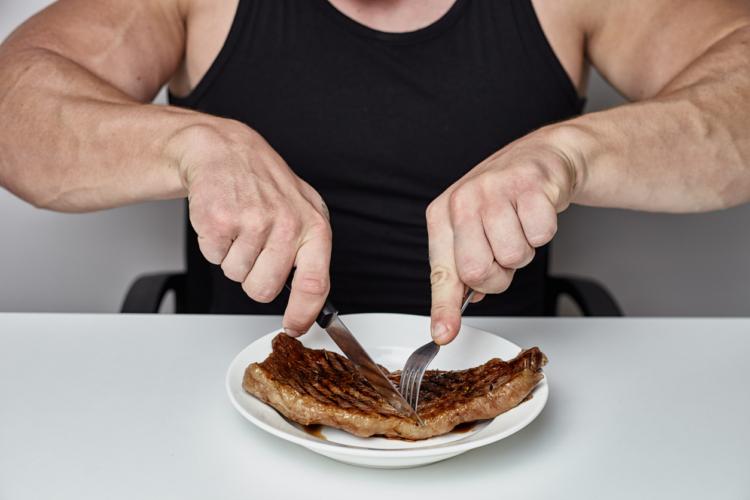 タンパク質摂らなきゃ筋トレが無駄になる