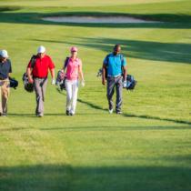 ゴルフしながらでなければできない会話がある