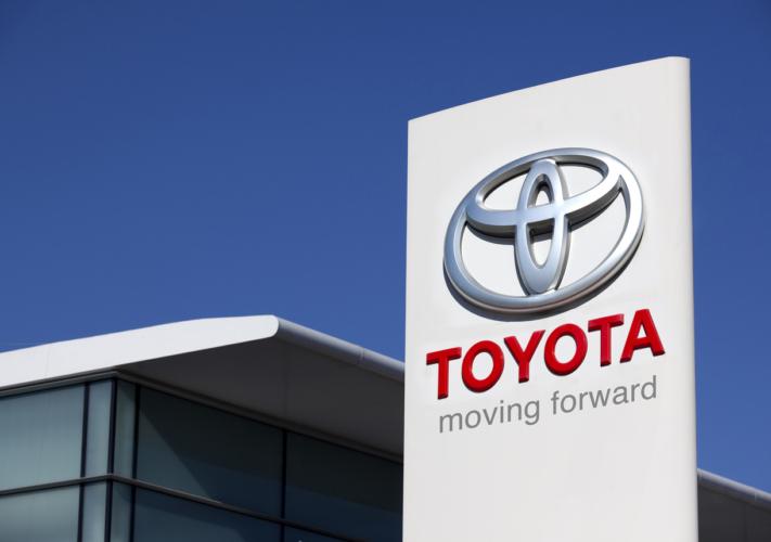 トヨタC-HRが人気