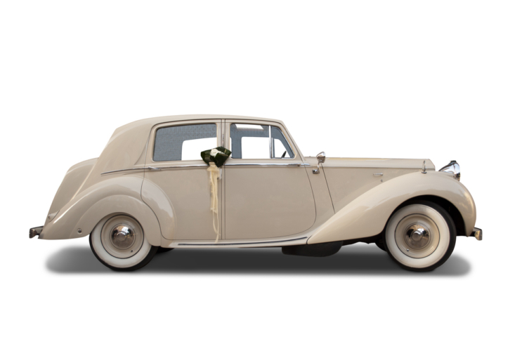 イギリス車を代表するロールスロイスの初SUVが「カリナン」