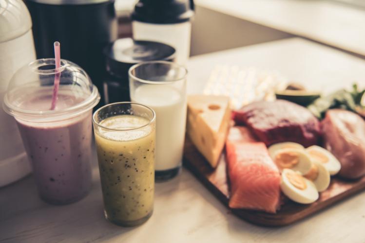 タンパク質はホエイプロテインだけで十分?