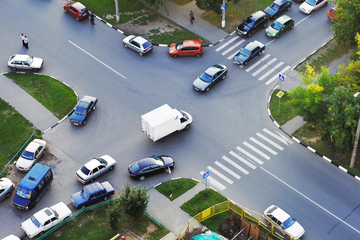 事故多発交差点から見えてくる、共通する条件とは?