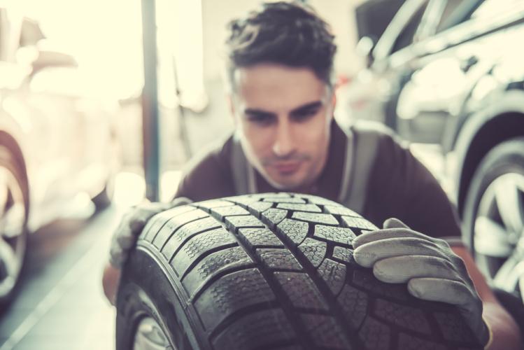 タイヤは車のシューズ
